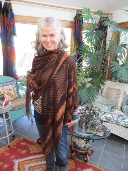 Maureen wearing Magic Cape in Copper Metallic